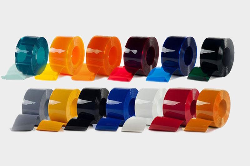 Kurtyny paskowe dostępne są w wielu wersjach kolorystycznych